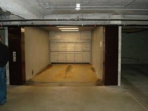 5647-53 N. Clark's car elevator