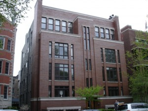 635 W. Briar Place in East Lakeview