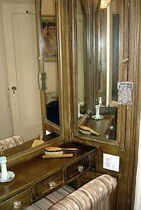 222 E Chestnut Original Built-in Vanity