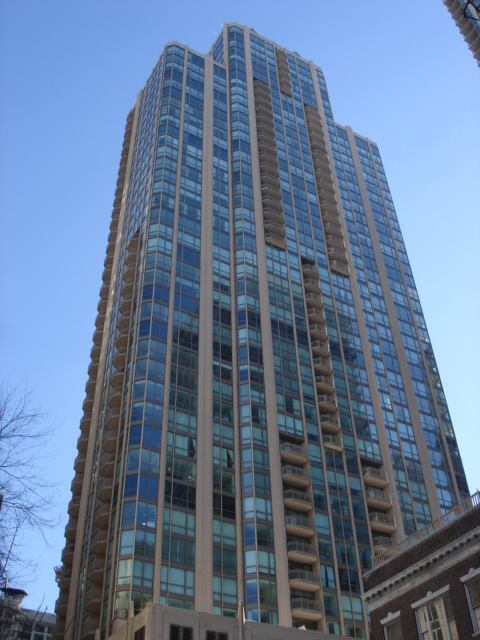 21-e-huron-the-pinnacle-condos