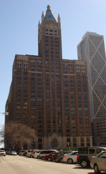 Lake Shore Place - 680 N Lake Shore Drive, Chicago, IL 60611