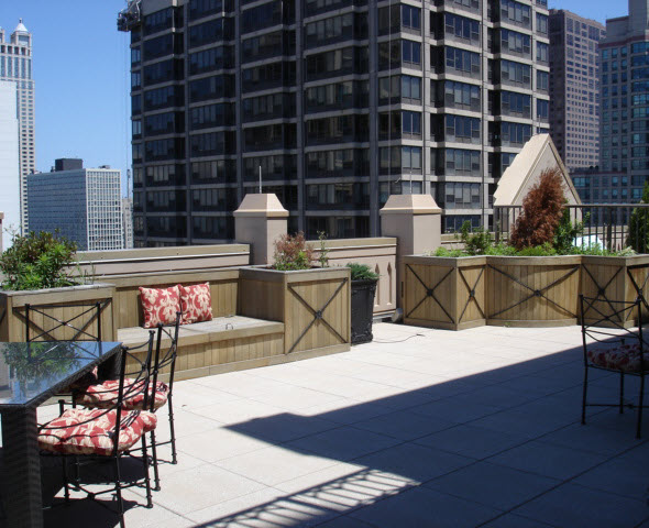 One of the larger terraces at 21 E Huron - The Pinnacle