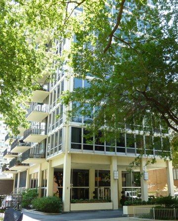 339 W Barry, Chicago, IL 60657
