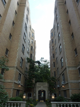 609 W Stratford Place, Chicago, IL 60657