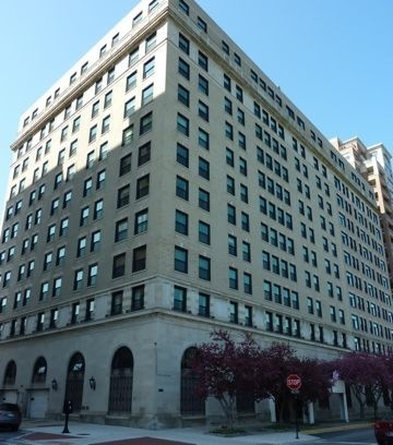 2100 N Lincoln Park West - The Pierre