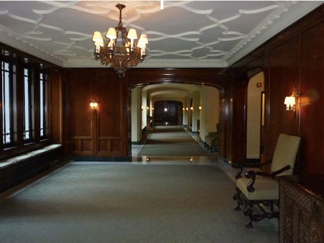 2440 N Lakeview extended lobby