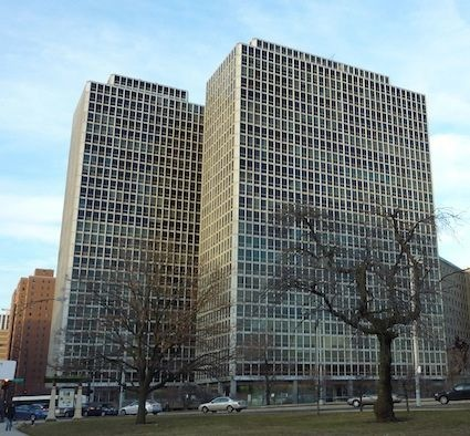 330-340 W Diversey Parkway - Commonwealth Plaza