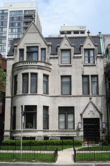 House in Chicago's Gold Coast Neighborhood Photo