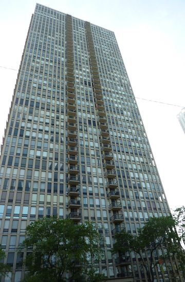 1660 North LaSalle Drive, Chicago, IL 60614